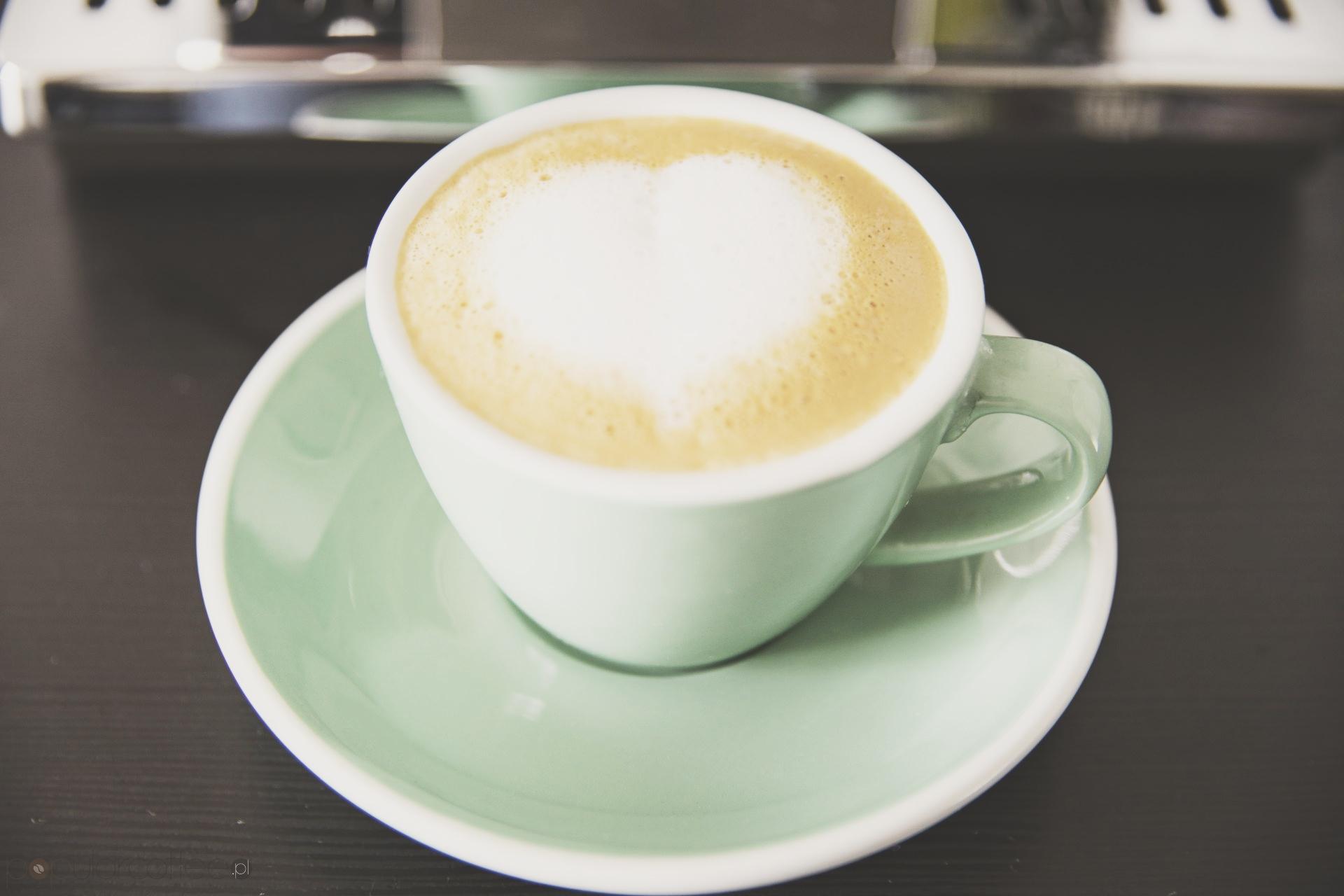 ekspres automatyczny cappuccino