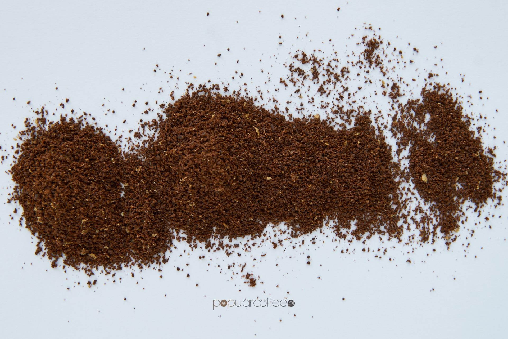 mielenie kawy kawiarka