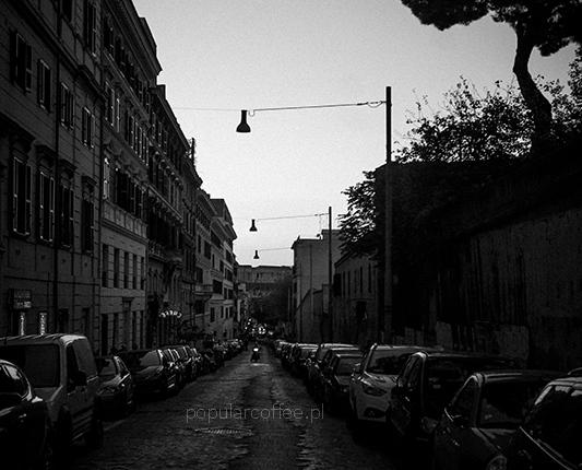 Włoska kawa na włoskich ulicach